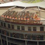 Noch wenige Wochen steht das Modell des Millerntor-Stadions in der Rindermarkthalle - hier Details von der Kita Piraten-Nest (mit Dachspielgarten)