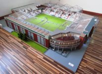 Das 1:100-Modell des Millerntor-Stadions (Bild: Stadionmodellbau Tribian)
