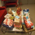 Die Firma DEA Erdoel AG sammelte Geschenke für unsere drei Wohnhäuser für Kinder und Jugendliche in Altona, Bahrenfeld und Wandsbek - und für zwei Sozialpädagogische Lebensgemeinschaft. Danke für die treue Hilfe!