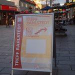 Der Treff Rahlstedt befindet sich direkt in der Fußgängerzone Rahlstedt, unweit des Bahnhofs Rahlstedt